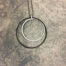 Halskæde - Friihof + Siig m/ Sølv cirkler