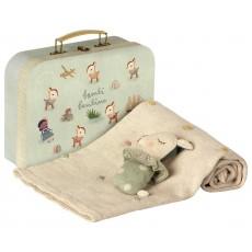 Kuffert - Maileg m/ Tæppe & Rangle - Rosa Baby gave sæt