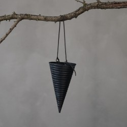 HD, 12C, Ornament, Inaya, Cone, Blackh: 18 cm, dia