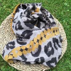 Tørklæde i sort/hvid m/ gule streger og kvaster - Birksøe