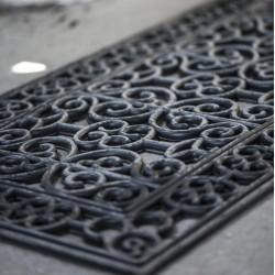 Dørmåtte i gummi med filigran mønster - Ib Laursen  L: 120